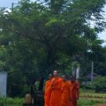 image 018-novice-buddhist-monks-jpg
