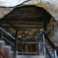 image 02-entrance-alexandra-cave-jpg