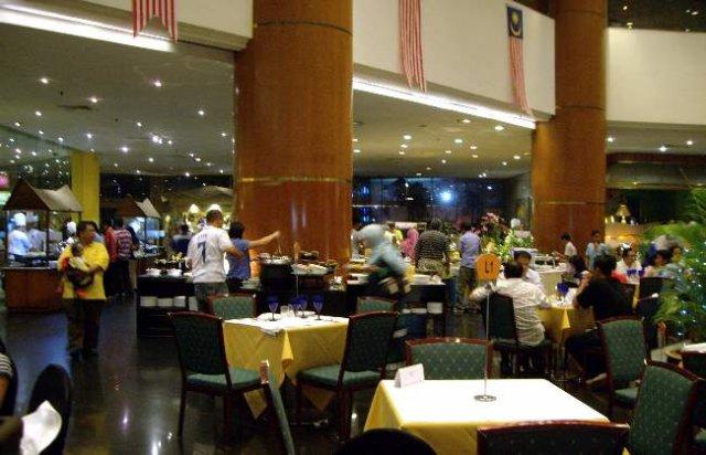 image 33-puteri-pacific-break-of-fast-buffet-in-the-newsroom-jpg