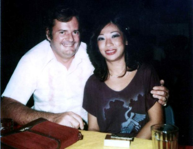 image 075-1980-bugis-street-singapore-jpg