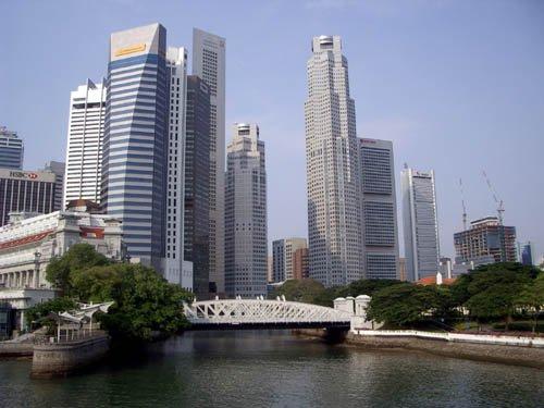 image 011-cavenagh-bridge-over-singapore-river-jpg