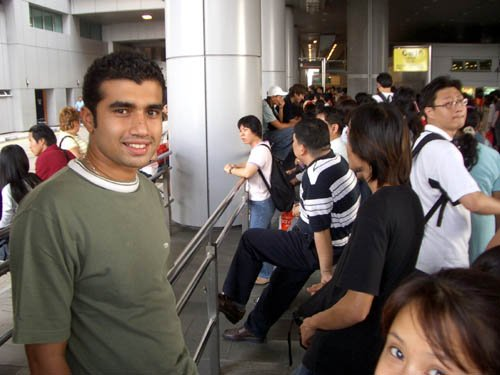 image 019-waiting-for-bus-at-spore-end-of-causeway-jpg