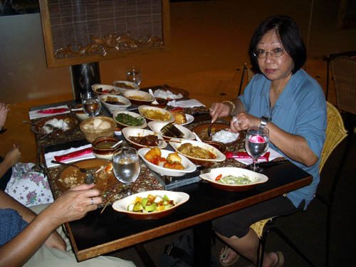 image 123-lunch-at-the-rice-table-jpg